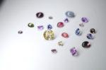 宝石の「ルース」とは?英語でどう書く?原石からカット、加工の流れ