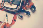 【スカーフの基本とアレンジ】スカーフの首への巻き方、バッグへの巻き方。アレンジ方法を特集!