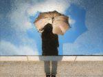 雨の日コーデ・梅雨コーデの基本。雨の日、大人コーデのシンプルなルールとは?