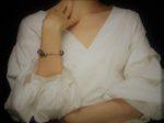 「袖コンシャス」とは?夏の着やせトップス&秋トレンド対応、袖の種類に注目!